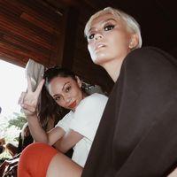 Makin Hits, Agnez Mo Pakai Stylist Hingga Dokter Kulit Kim Kardashian
