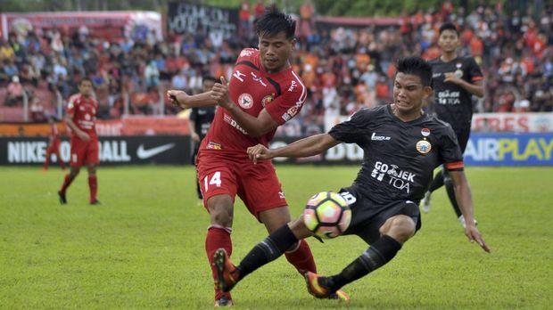 Semen Padang ingin kompetisi Liga 1 2018 dilengkapi menjadi 20 klub seperti liga-liga top Eropa.