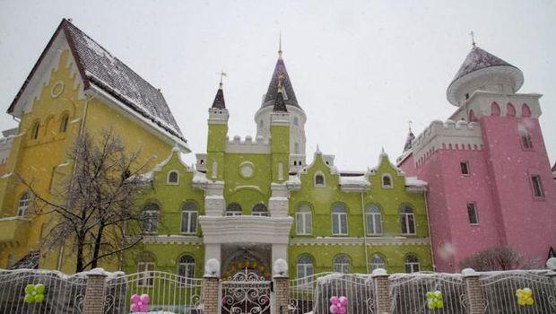 Cantiknya Taman Kanak-kanak Berbentuk Istana Dongeng di Rusia
