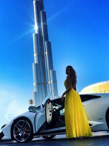 Gaya hidup mewah wanita Dubai.