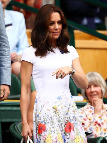 Pippa dan Kate Middleton Bergaun Putih di Wimbledon, Lebih Stylish Mana?