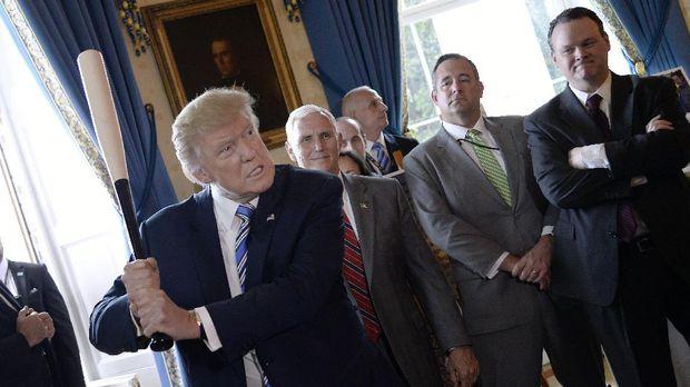 Donald Trump akan menyusun program diet dan olahraga untuk mengurangi berat badan.