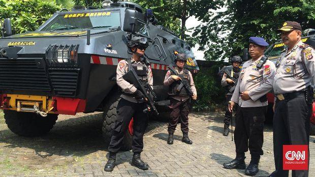 Inspeksi tim Barracuda dilakukan oleh Kaden Gegana Satbrimob Polda Jabar, AKBP Andri, Sabtu (22/7).