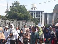 Massa aksi 287 bergerak dari Masjid Istiqlal menuju mobil komando.