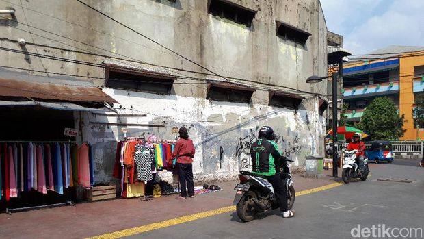 Bulan Tertib Trotoar, Masih Ada Parkir Liar di Blok G Tanah Abang