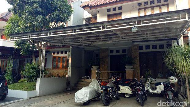 Rumah Tora Sudiro sepi usai penangkapan.