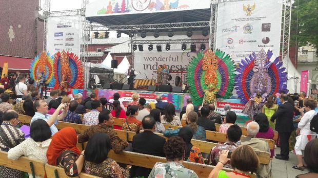 Panggung saat pembukaan festival Indonesia ke-2 di Moskow