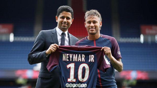 PSG belum memegang sertifikat transfer internasional milik Neymar.