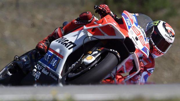 Jorge Lorenzo baru meraih satu podium di MotoGP 2017.
