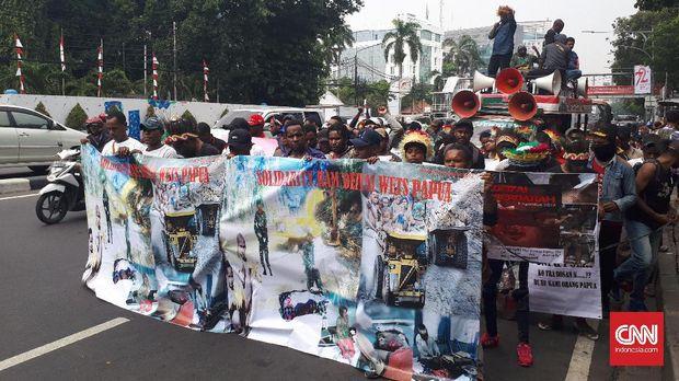 Warga Papua Gelar Long March Tuntut Penuntasan Kasus Deiyai