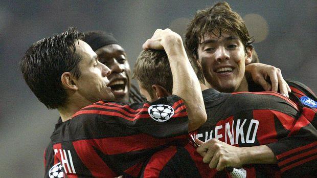 Kaka jadi tulang punggung utama saat AC Milan meraih sukses di dekade 2000-an.
