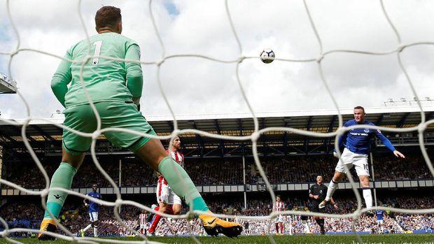 Gol ke gawang Stoke City menjadi gol perdana Wayne Rooney bersama Everton di Liga Primer 2017/2018.