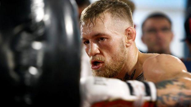 Conor McGregor menyenangi olahraga tinju setelah terus intensif berlatih tinju jelang laga lawan Floyd Mayweather Jr.