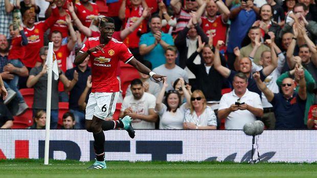 Paul Pogba menutup kemenangan Manchester United atas West Ham United dengan skor 4-0.