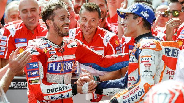 Andrea Dovizioso dan Marc Marquez bersaing menjadi juara dunia MotoGP 2017 di Sirkuit Valencia.