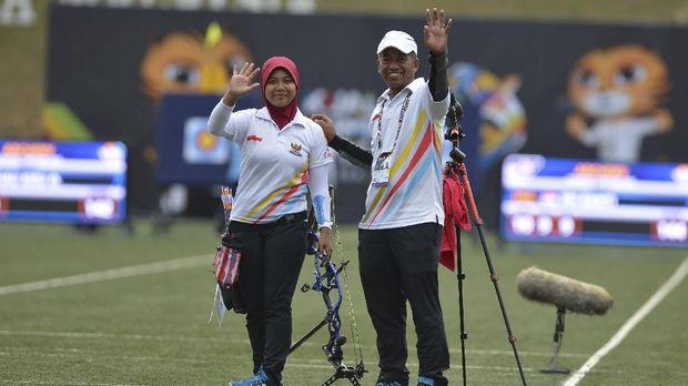 Dua emas Indonesia sejauh ini datang dari cabang panahan.