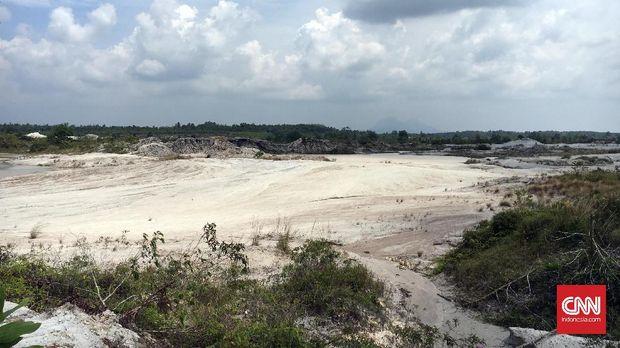 Situasi lahan bekas pertambangan timah di desa Penyamun, Kecamatan Pemali, Kabupaten Bangka, Provinsi Bangka Belitung. Adapun rencananya, lahan ini akan menjadi pilot project untuk reklamasi berkelanjutan.