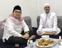 Kunker ke Mekah, Fadli Zon Makan Nasi Kebuli Bareng Habib Rizieq