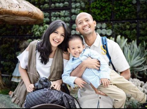 Danesya dan keluarganya/