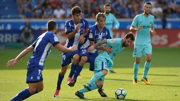 Deportivo Alaves terancam sanksi Financial Fair Play dari UEFA karena tunggakan gaji pemain. (