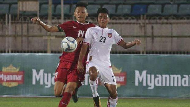 Lini pertahanan Indonesia sedikit lengah di pertandingan babak pertama.