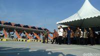 Tekan Sirine, Jokowi Resmikan Tol Mojokerto-Kertosono