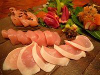 'Chicken Sashimi' Makin Populer, Amankah Makan Sajian Daging Ayam Mentah Ini?