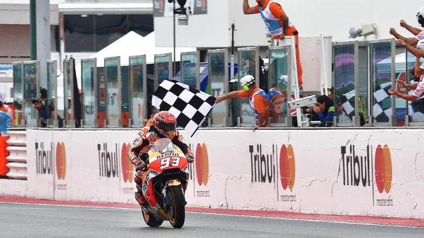 Marc Marquez tinggal butuh finis ke-11 di Valencia untuk menjadi juara dunia MotoGP 2017.