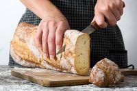 Ternyata Begini Cara Memotong Roti Tawar yang Benar