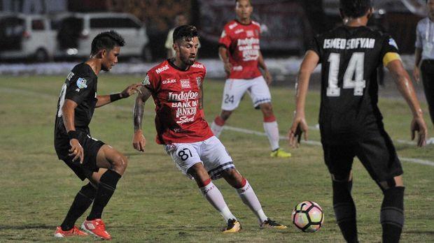 Stefano Lilipaly mencetak gol kemenangan Bali United saat lawan PSM.