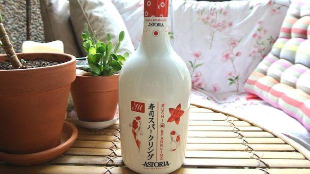 Slurpp! Sparkling Wine Ini Khusus Dibuat buat Mengiringi Santapan Sushi