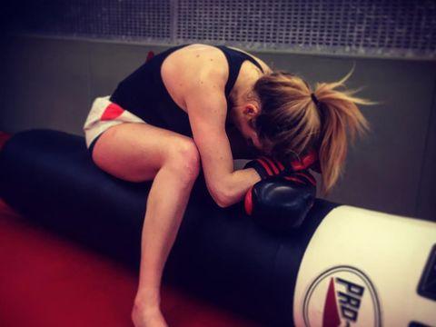 Tinju membuat Ellie Goulding dapat mengontrol gangguan kecemasan yg dialaminya