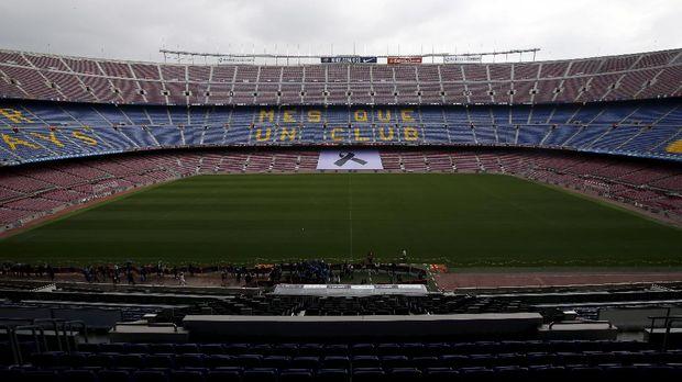 Stadion Camp Nou merupakan salah satu stadion paling terkenal di dunia.