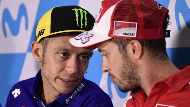Andrea Dovizioso mengaku sulit untuk bisa berhubungan sebagai teman dekat dengan Valentino Rossi.