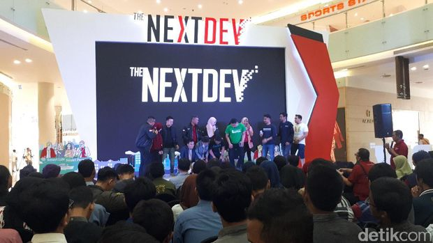 Gelaran The NextDev Academy diserbu masyarakat Surabaya.