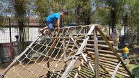 Banyak wahana anak-anak untuk memacu adrenalin