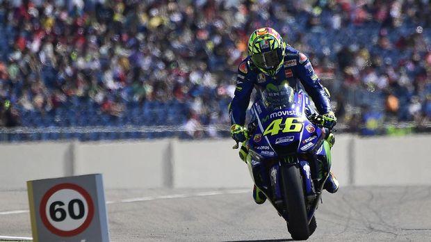 Valentino Rossi kembali ke lintasan hanya 20 hari setelah mengalami cedera patah tulang kering kaki kanan.