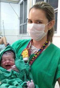 Foto bayi baru lahir yang viral