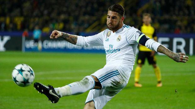 Sergio Ramos juga pernah mendapatkan hukuman karena dianggap sengaja mendapat kartu kuning.