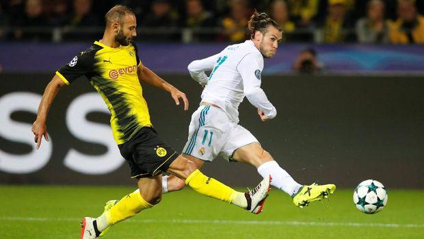 Real Madrid memuncaki klasemen Grup A, unggul selisih gol dari Tottenham Hotspur.
