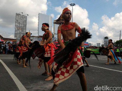 Kemeriahan Festival Seni Rakyat di Jalanan Kota Boyolali