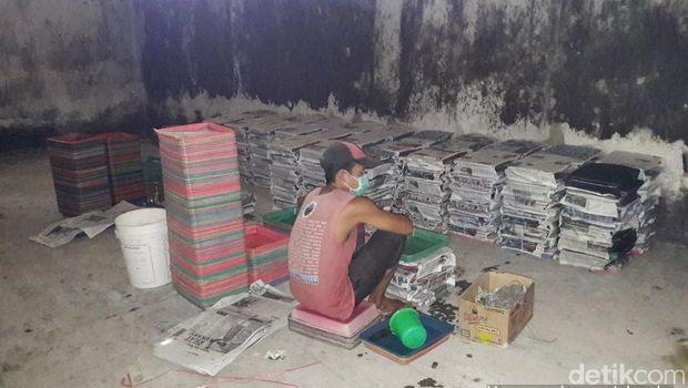 Polisi Gerebek Pabrik Nata De Coco Dicampur Pupuk di Majalengka
