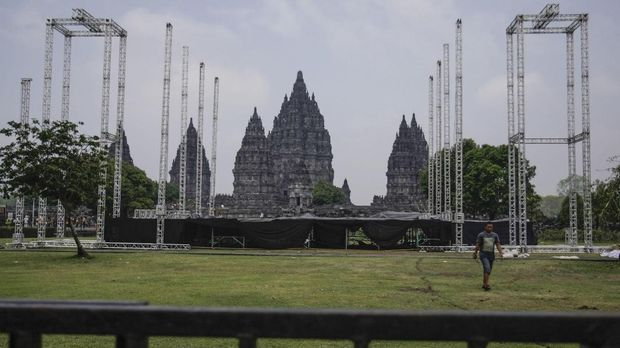 Andi /rif pernah tampil di Prambanan.