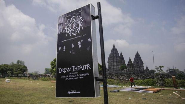 Konser Dream Theater di Prambanan dipindahkan.