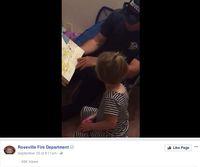 Saat petugas pemadam kebakaran bacakan cerita untuk anak