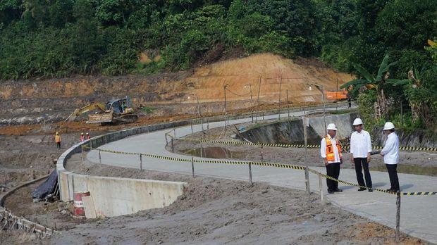 Anggaran pembangunan embung adalah Rp 64 miliar dari APBN.