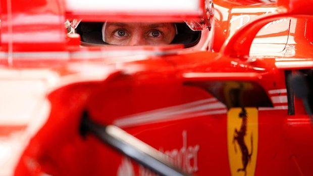 Sebastian Vettel masih bisa mengintip kans menjadi juara walau terpaut jarak yang cukup lebar dari Lewis Hamilton.
