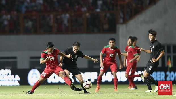 Timnas Indonesia U-19 mendominasi pertandingan melawan Thailand.