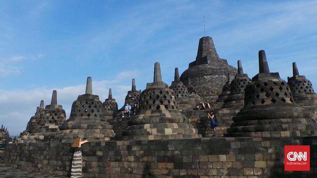 Mengejar Fajar Candi Borobudur