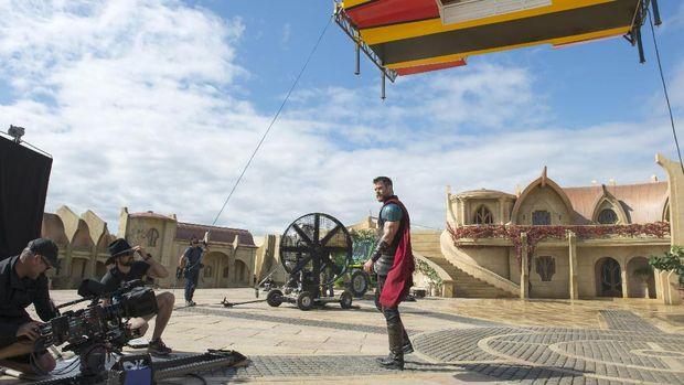 Lebih dari 2000 Kostum Dibuat untuk 'Thor: Ragnarok'